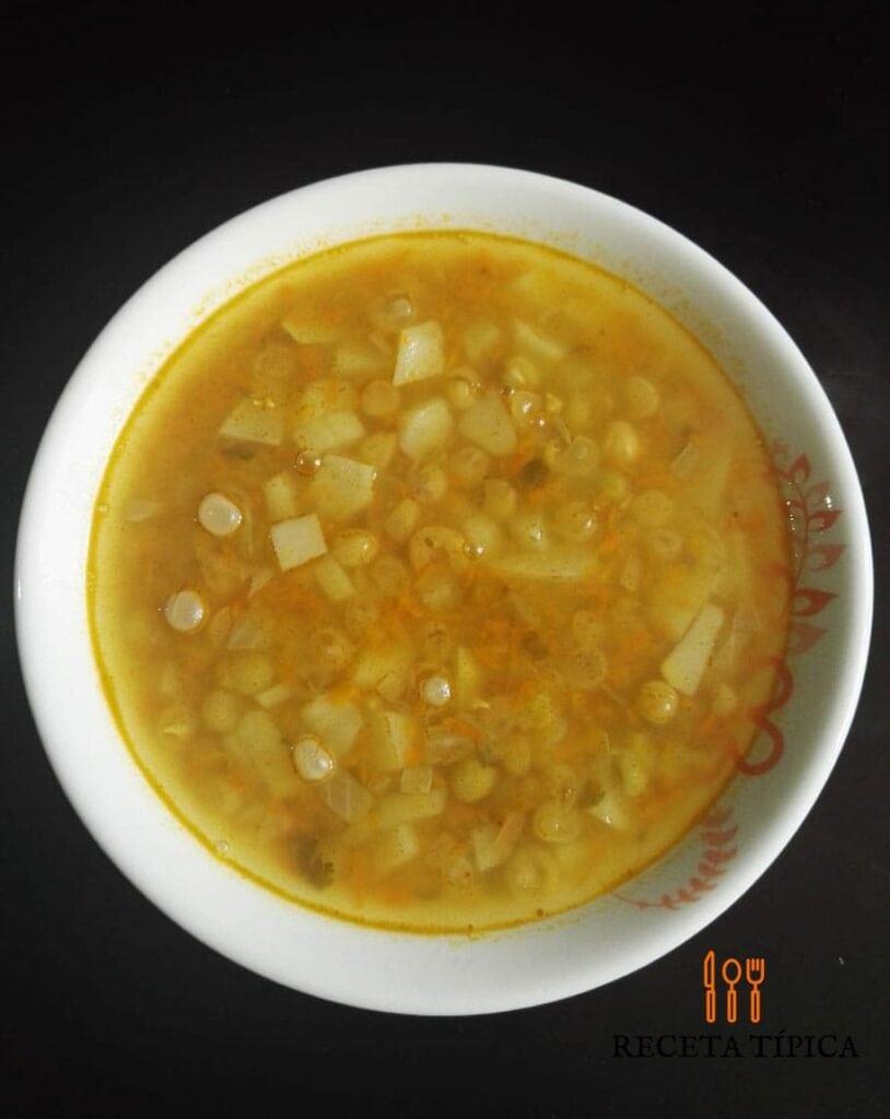 como hacer sopa de alverjas colombianas