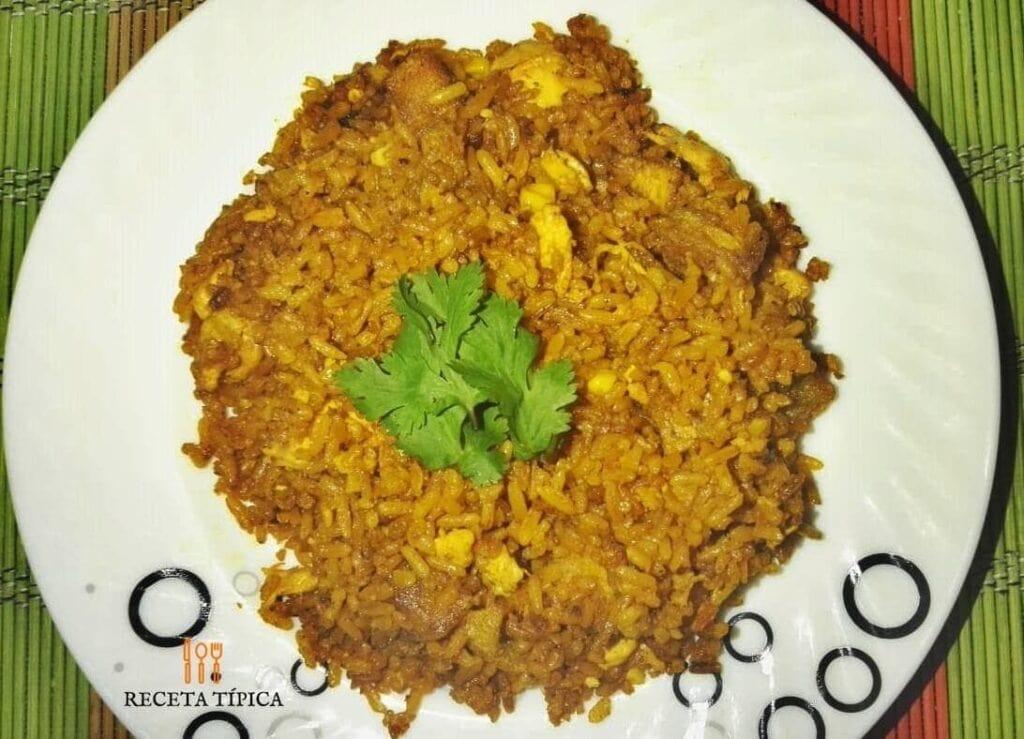 Plato con arroz a la valenciana