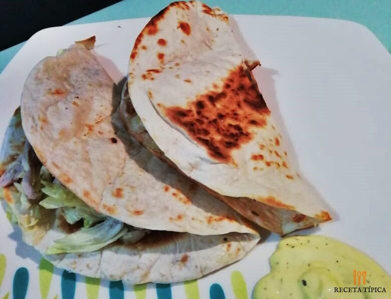 Plato con Quesadillas de pollo
