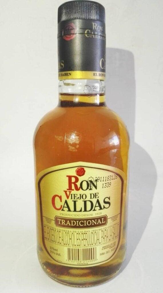 Botella de Ron Viejo de Caldas