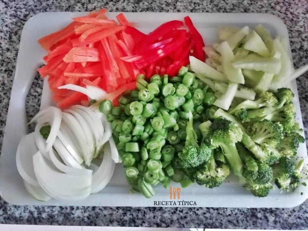 ingredientes picados para preparar chop suey