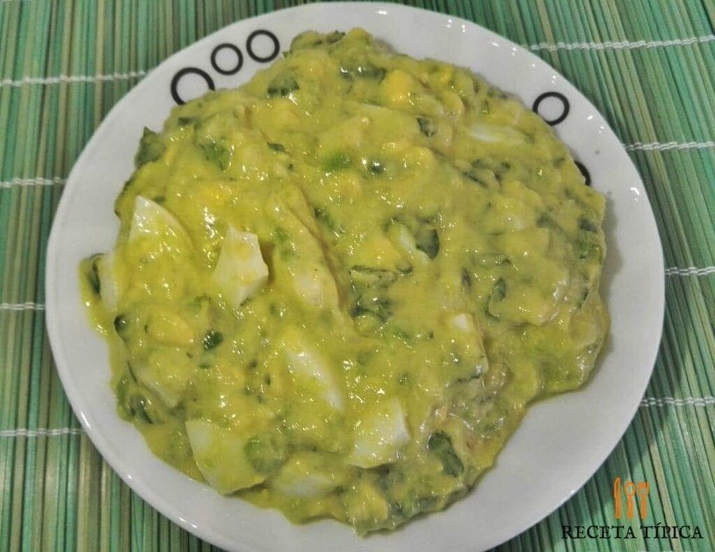 plato con guacamole casero
