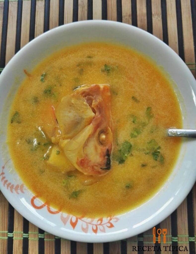 Sopa de cabezas de pescado