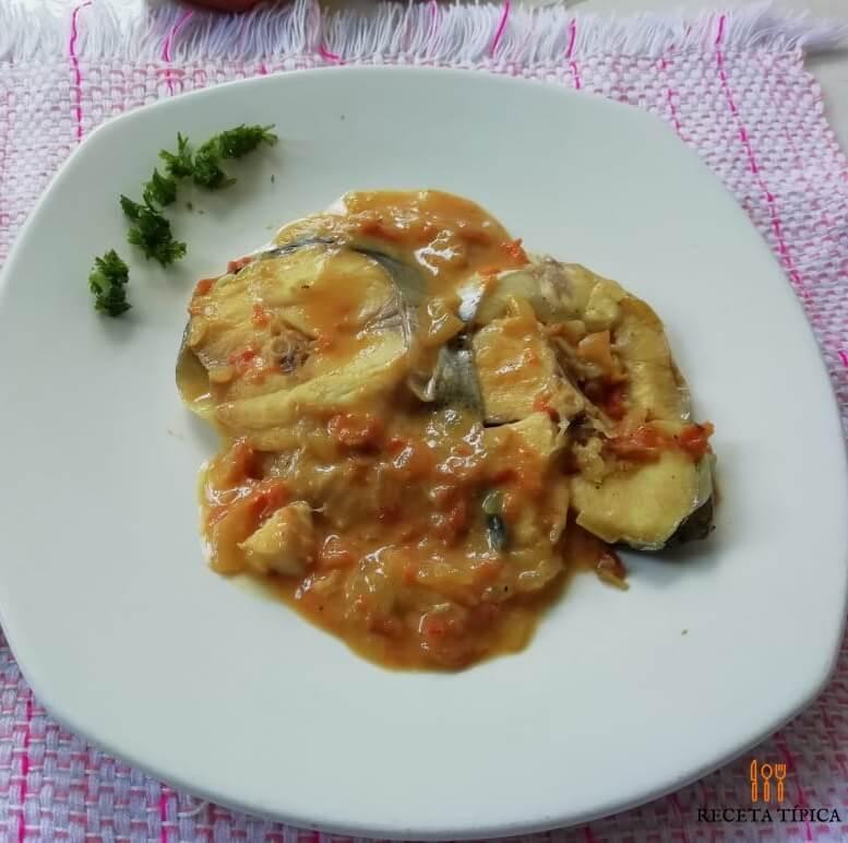 plato con bragre en salsa