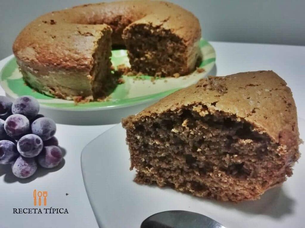 Plato con torta de café