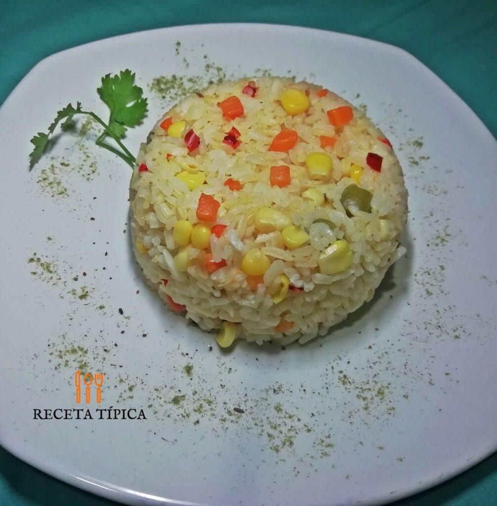 Plato con arroz primavera