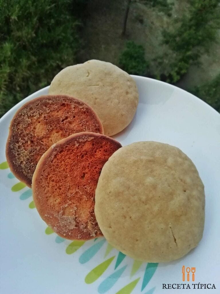 Plato con galletas de mantequilla