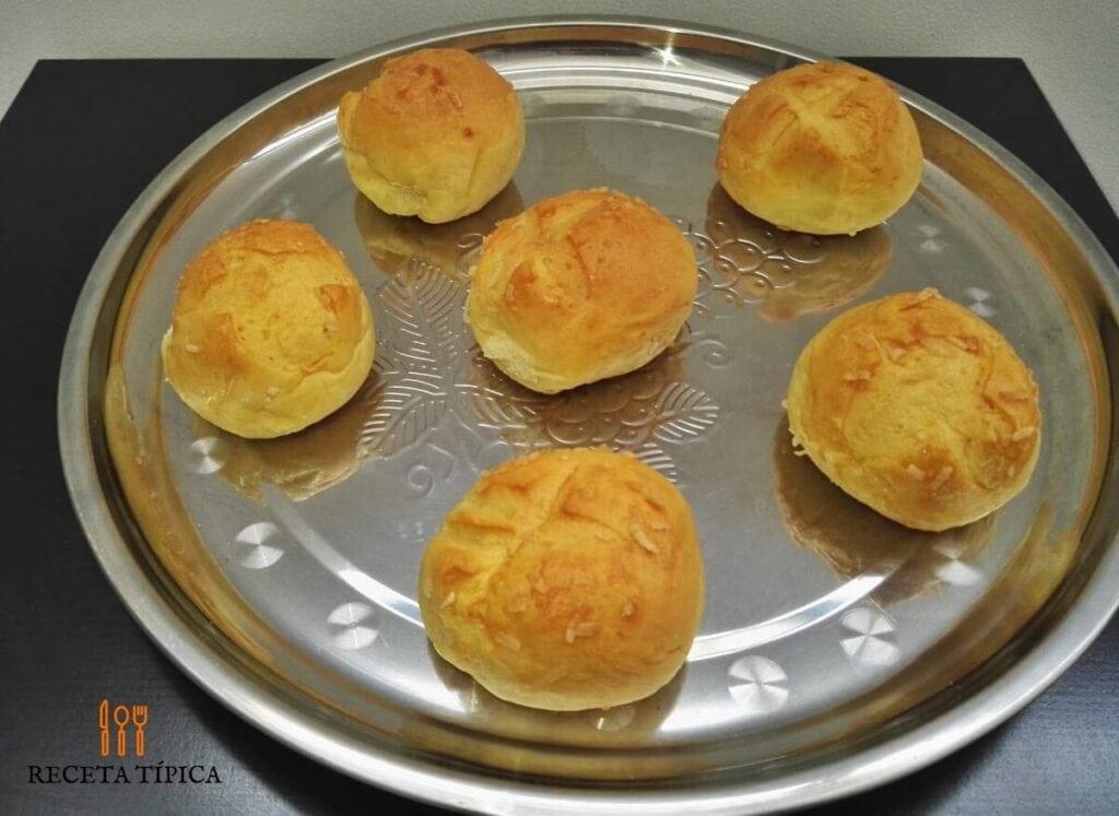 bandeja con 6 pan coco